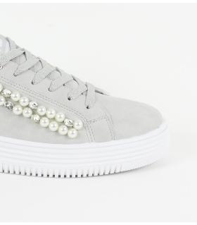Sneaker γυναικεία με πέρλες XTI X48041
