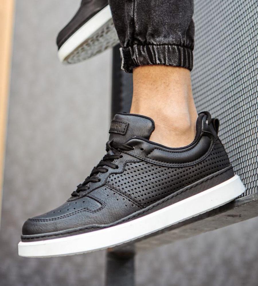 Sneakers double C109